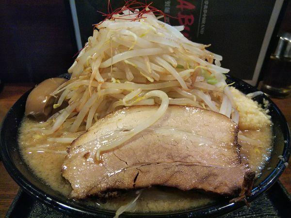 「豚基本 ※野菜増&麺大盛:無料 +味玉:クーポン」@麺賊喜三郎の写真