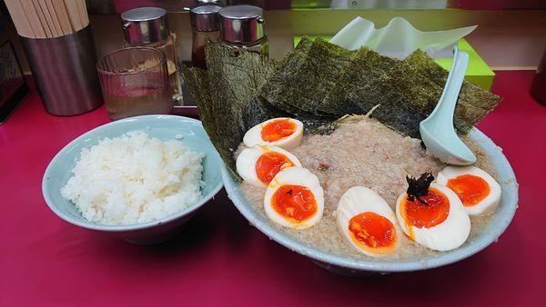 「ネギ塩チャーシュー麺、太麺、味玉×3、のり、コテコテ、ライス。」@ラーメンショップ 牛久結束店の写真