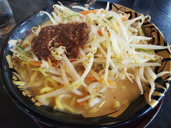 「野菜たっぷりたれ味噌らーめん」@ハルピン味噌らーめん 雷蔵の写真