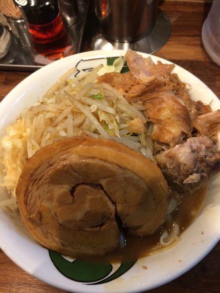 「雷そば 並 野菜増し とろ豚 生卵」@雷 本店の写真
