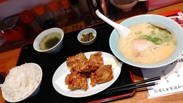 「ラーメン&唐揚げ定食」@ポーク軒の写真