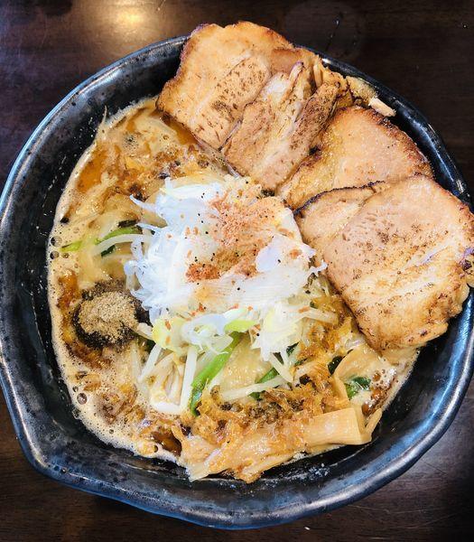 「海老香味ラーメン(トッピング 炙りチャーシュー)1250円」@麺や 蒼 AOIの写真