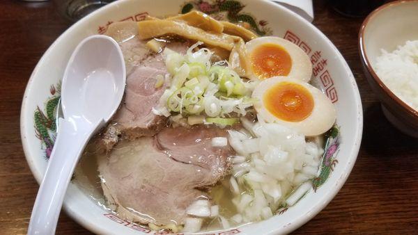 「味玉チャーシュー麺 塩」@らあめん 寸八 総本店の写真