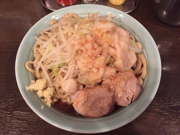 「あかつき麺 大盛(400g)全部マシ」@麺や あかつきの写真