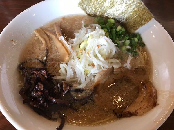 「こく豚ラーメン 780円 替玉無料」@つけ麺 七菜矢の写真