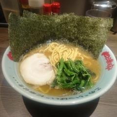 横浜家系ラーメン 円満家 大塚店の写真