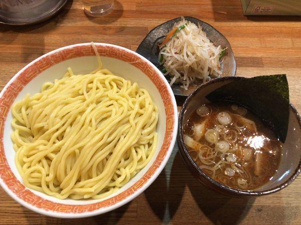 「つけ麺大盛り+野菜」@つけ麺屋 やすべえ 池袋店の写真