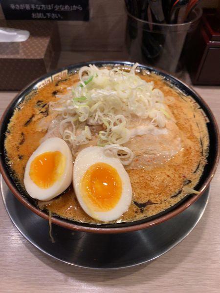 「炎魔ラーメン 肉増し+味玉」@麺屋 一魂の写真