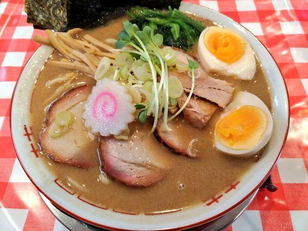 「豚骨醤油らぁめん」@ぬーじボンボン ニュータイプの写真