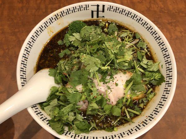 「スパイス・パクチーラー麺+半ライス」@スパイス・ラー麺 卍力の写真