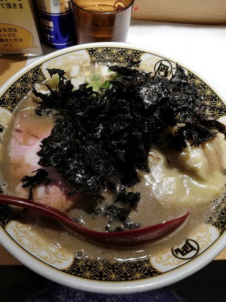 「こってり煮干+岩のり」@すごい煮干ラーメン凪 西新宿7丁目店の写真