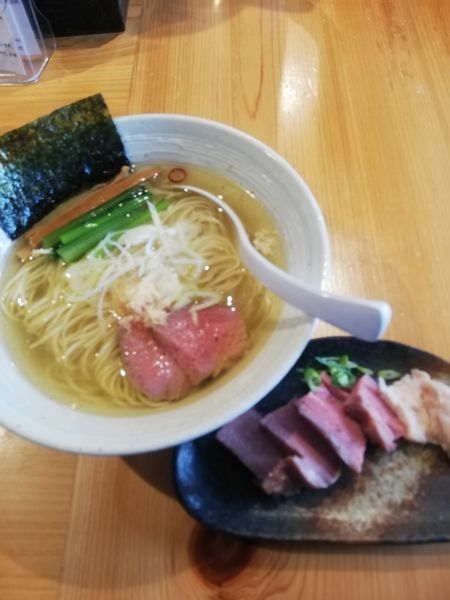「らぁ麺(塩)780円 チャーシューハーフ200円」@麺屋 さくら井の写真