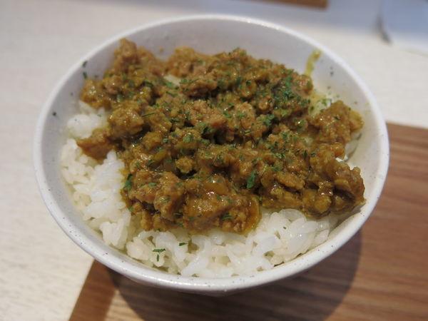 「キーマカレー:200円→拉麺と頼むと120円」@らーめん砦 亀有店の写真