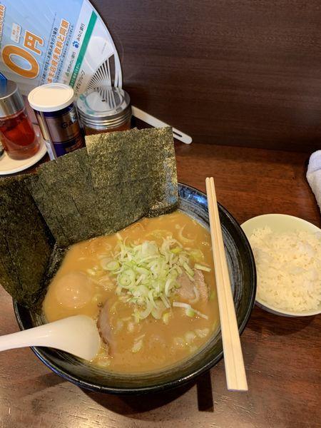 「おやじ麺+味玉+ノリ+小ライス」@ラーメンおやじ 町田店の写真