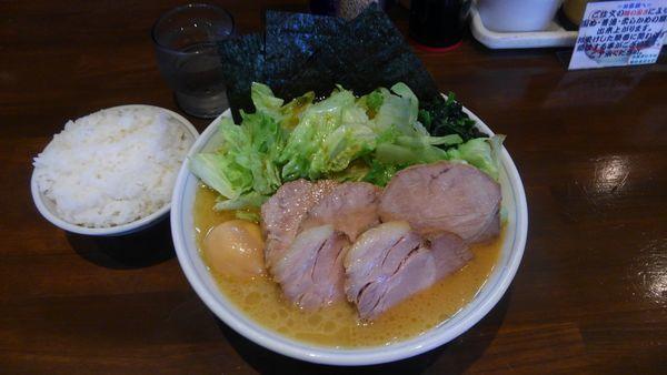 「レタスラーメン、中、チャーシュー、味玉、小ライス」@横浜家系ラーメン 中島家の写真