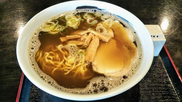 「濃い口煮干し中華そば」@魚っ喰いの田 ワラッセ店の写真