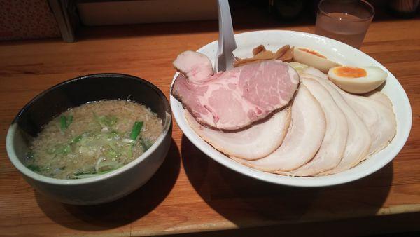 「特製つけ麺大盛+チャーシュー」@こってりらーめん せきやけの写真