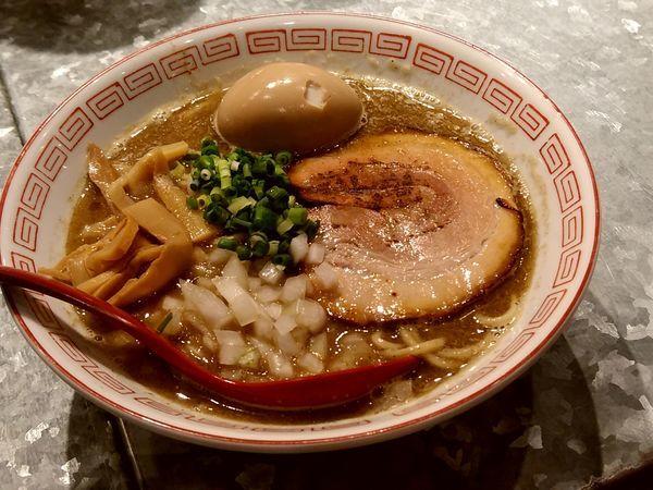 「煮干しそば(並盛・130g)800円」@らーめんキッチン かえでの写真