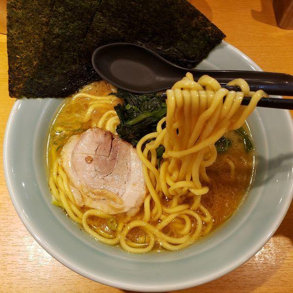 「ラーメン味濃いめ」@ラーメン銀家 戸塚店の写真