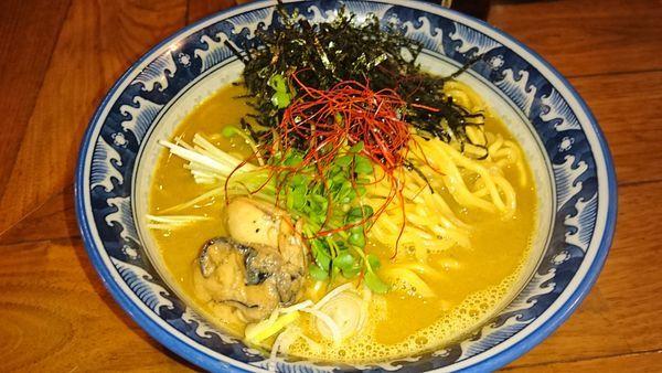 「牡蠣・拉麺」@麺や佐市の写真
