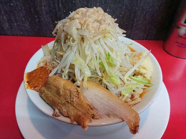 「中らーめん+辛味噌 950円(野菜、ニンニク、あぶら)」@ラーメン山崎の写真