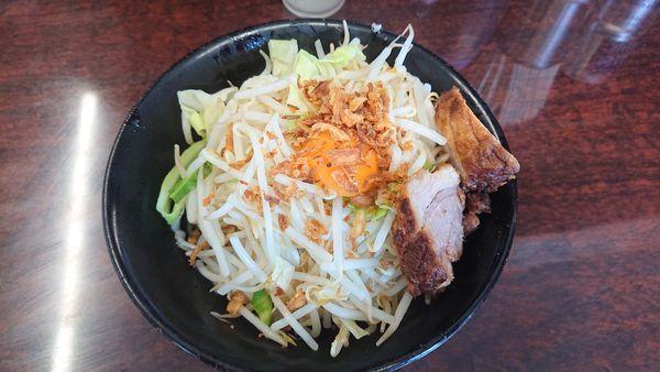 「汁なしラーメン (麺半分) 850円」@ラーメン二郎 めじろ台店の写真