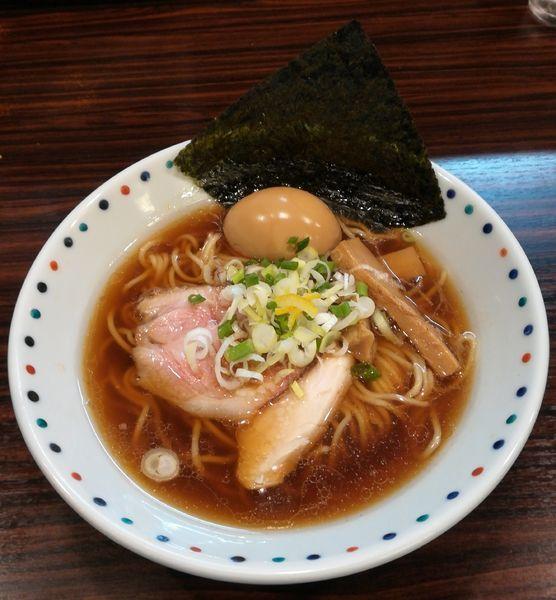 「香味醤油ら~めん」@らー麺 あけどやの写真