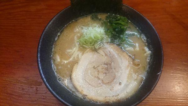 「らぁめん 豚骨醤油 730円」@麺匠 文蔵の写真