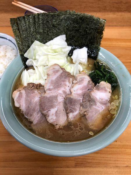 「中盛りチャーシュー麺  濃いめ 固め ちょい多め 海苔増し 小ラ」@捲り家の写真