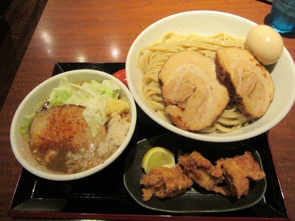 「特製豚つけ(1000円)+大盛+唐揚げ」@中華そば 蓮の華の写真