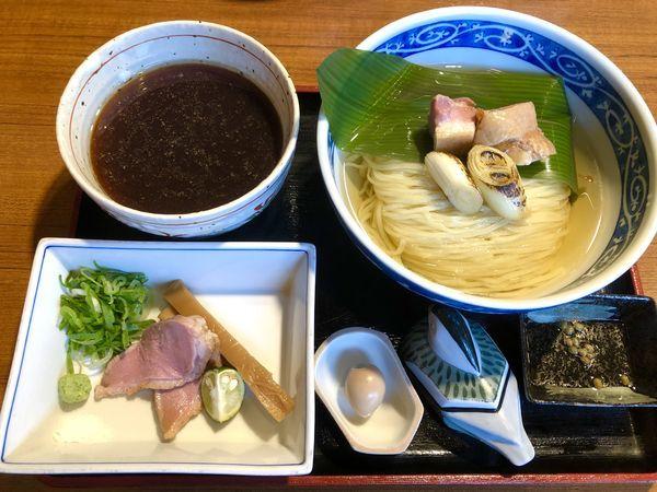「昆布水に浸かった鴨つけそば (極) ¥1100」@寿製麺よしかわ 川越店の写真