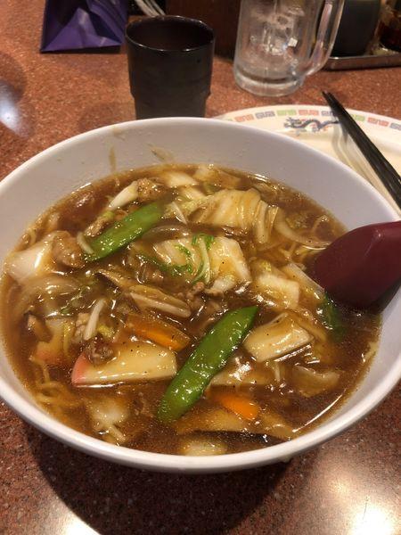 「広東麺680円+レモンサワー+ビアソーセージ」@ラーメン王の写真