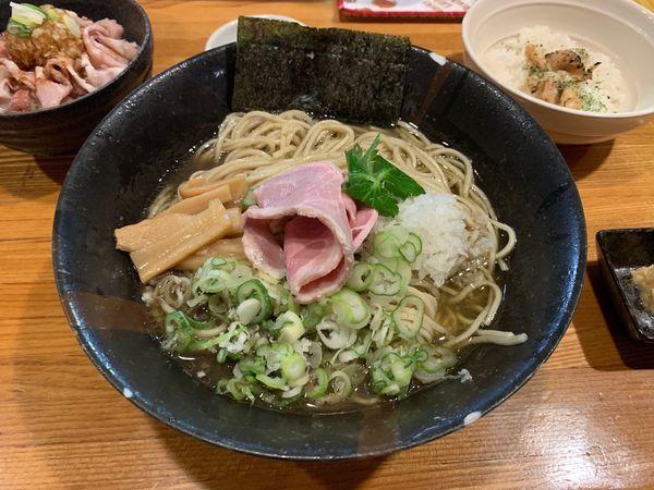 「剣先烏賊と鯵の冷製煮干しそば〜おい飯付〜細麺」@麺屋 ひな多の写真