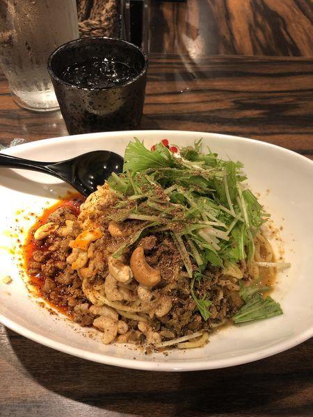 「汁なし辛さ3シビレ4」@シビれ担担麺 マーラーキング 本店の写真