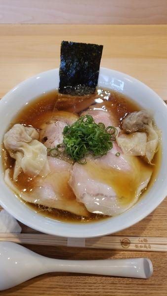 「わんたん入りしょうゆチャーシュー麺」@らぁ麺 飯田商店の写真