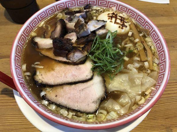 「特製醤油そば」@麺切り 白流の写真