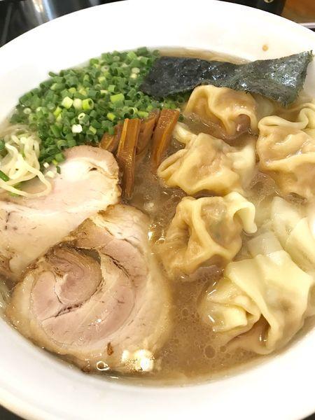 「雲呑麺 大盛」@らーめん 茂木の写真