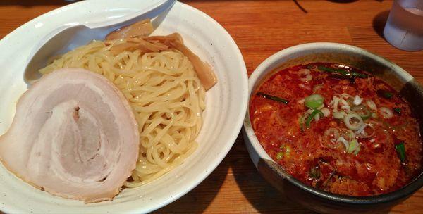 「旨辛味噌つけ麺、大盛り辛さ3」@こってりらーめん せきやけの写真
