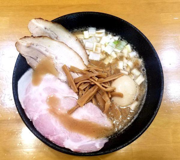 「豚骨魚介中華そば(大盛)ストレート麺」@自家製中華そば 麺の虜の写真