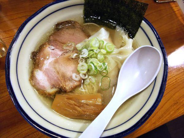 「塩雲吞麺 880円」@上州地鶏ラーメン 翔鶴の写真