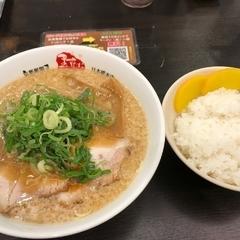 京都銀閣寺 ますたにラーメン 日本橋本店の写真