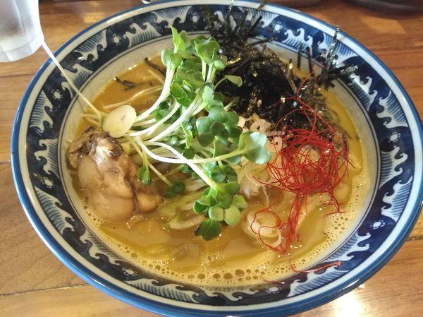 「牡蠣ラーメン」@麺や佐市の写真