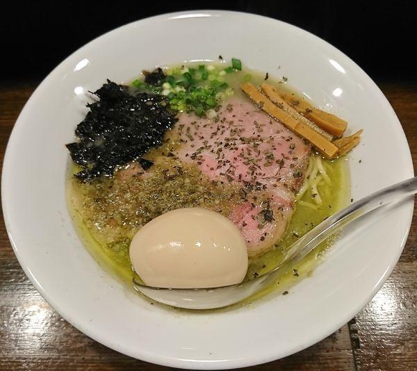 「牡蠣塩らぁ麺+味玉(750円)」@Soupmenの写真