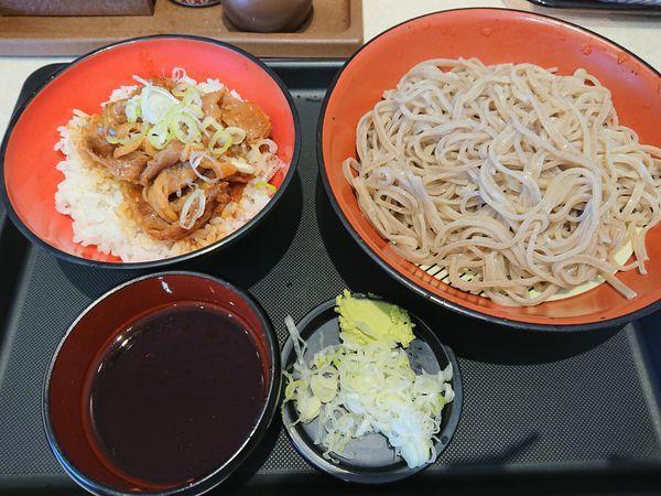 「ミニ牛焼肉丼セット(もり)580円」@名代 富士そば 志木店の写真