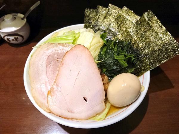 「らーめん(もも肉)+キャベツ」@らーめん飛粋の写真