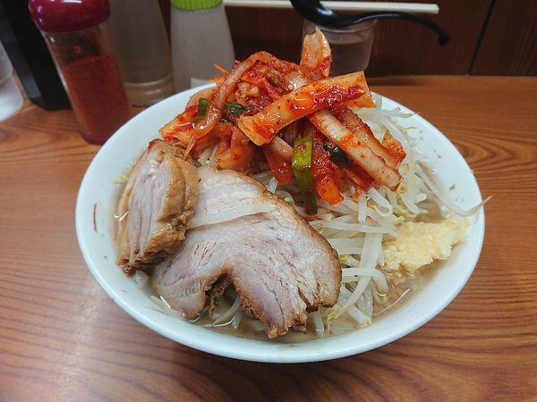 「ラーメン+タマネギキムチ 830円」@ラーメン二郎 亀戸店の写真