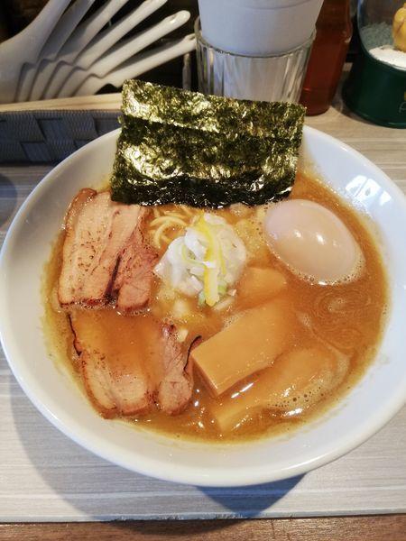 「濃厚煮干しラーメン クーポン半額400円 味玉100円」@ラーメン やのけんの写真