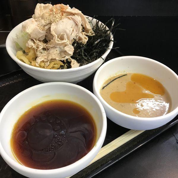 「【夏限定】ごまだれ豚しゃぶそば(¥930)」@なぜ蕎麦にラー油を入れるのか。 秋葉原店の写真