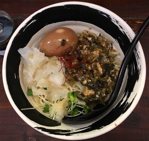 「冷やし高菜そば 味付玉子入り 大盛り」@麺場 ハマトラの写真