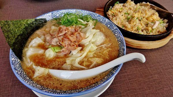 「炒飯ランチ+餃子」@きゃべとんラーメン 入間インター店の写真